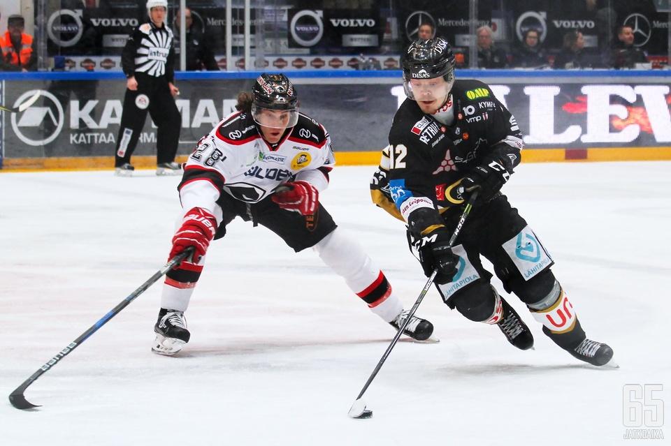 Kärppien Ville Leskinen on yksi niistä ratkaisupelaajista, joiden pelaaminen on hiipunut pudotuspeleissä.
