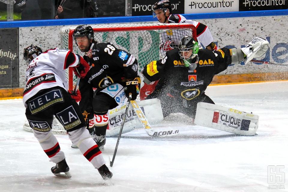 Kärppien ja Ässien puolivälieräsarja päättyi jälleen kotijoukkueen voittoon porilaisten mainiosta yrityksestä huolimatta.