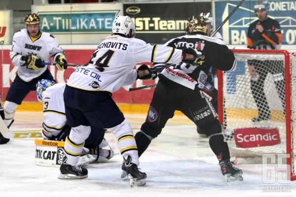 Blues ja TPS ehtivät tahkota liigajäillä 2010-luvulla ennen espoolaisten konkurssia.