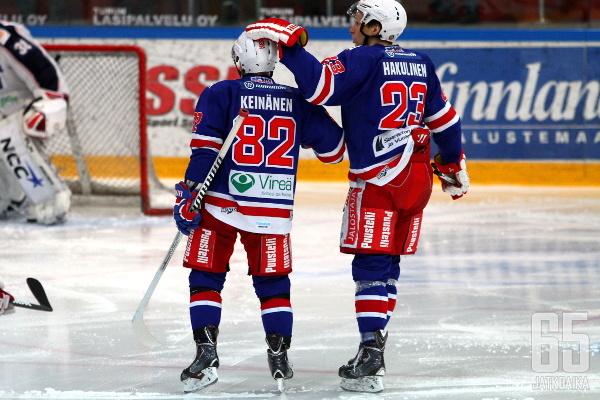 TUTOn kauden 2013-2014 joukkue oli hyvä esimerkki nuorten lupausten ja vanhojen konkareiden harmoniasta.