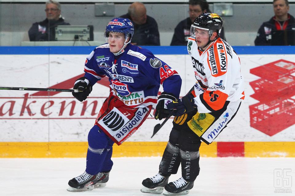 Nikko ehti pelaamaan kolme ottelua KooKoon paidassa.