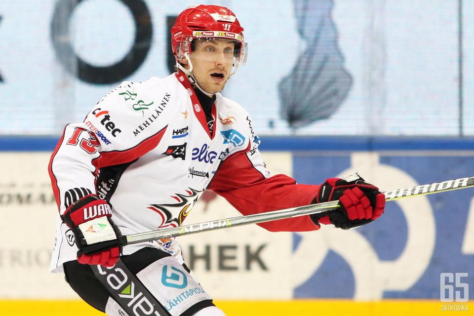 Erik Riska on Sportin tulevankin kauden kapteeni.