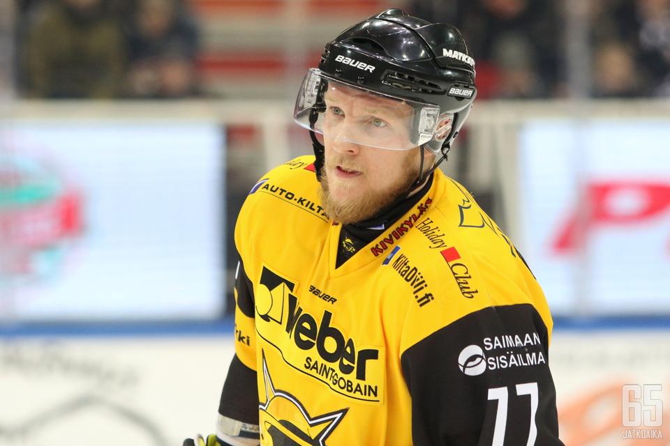 Vladimir Denisov pelaa SaiPassa ensi kaudellakin.