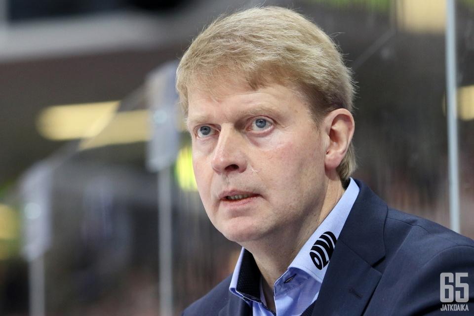 Jukka Rautakorpi ja Tappara jahtaavat jatkopaikkaa CHL:ssä tiistaina.