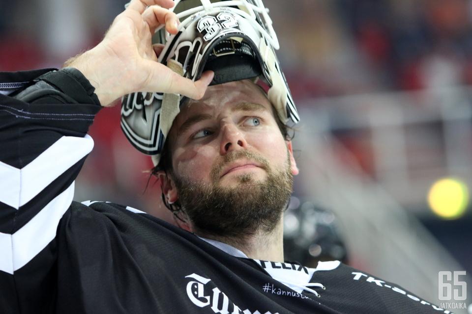 Rasmus Tirronen jatkaa TPS:n riveissä.