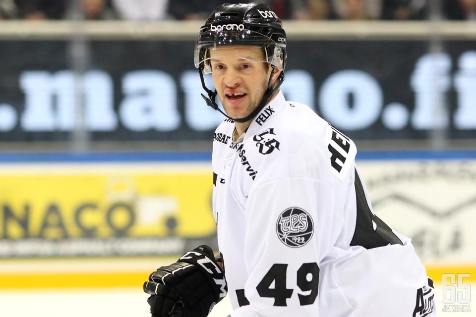 Ilkka Heikkinen jatkaa mustavalkoisissa.