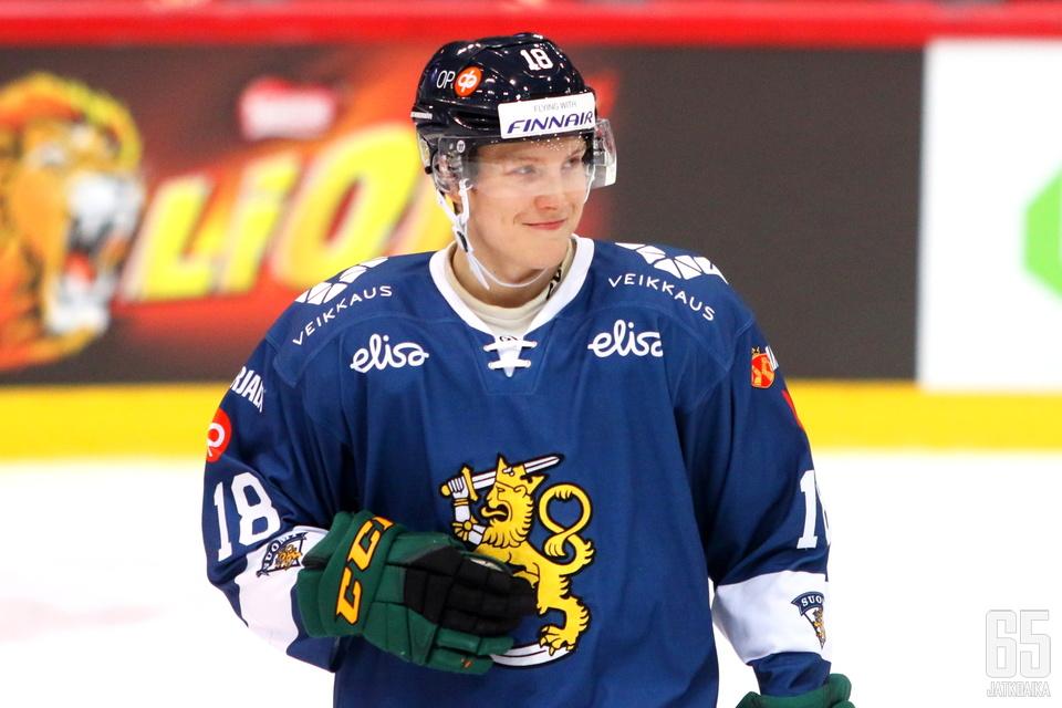 Ville Meskanen on pelannut myös kolme A-maaottelua kaudella 2017−18.