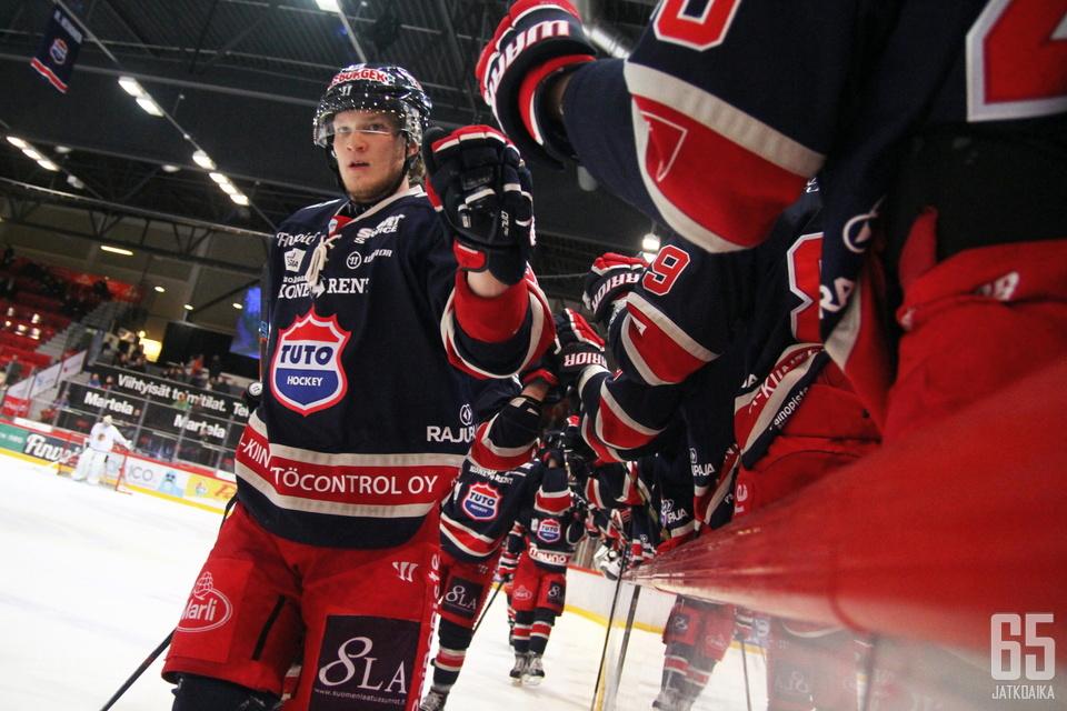 Juusela pelaa kolmatta kauttaan TUTOn riveissä, kaudella 2012-13 hän edusti viimeksi Ässiä.