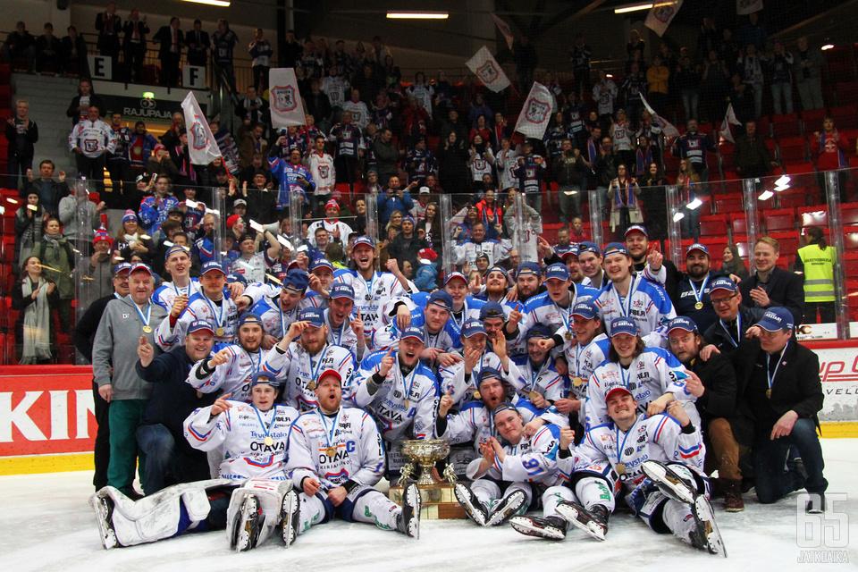 KeuPa voitti seurahistoriansa ensimmäisen Mestis-mestaruuden.