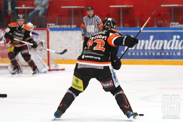 Marko Kiprusoff ehti iskeä yhden syöttöpinnan kauden 12 ottelussa.