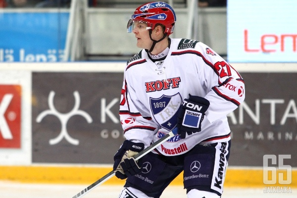 HIFK:n puolustaja Mikko Jokela joutuu olemaan ainakin puolentoista kuukauden ajan pois kaukaloista.