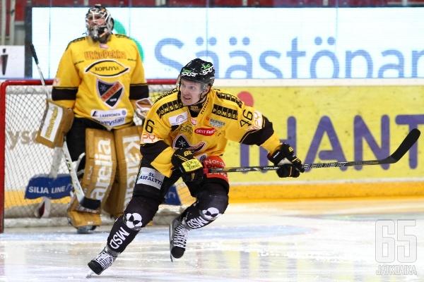Jussi Timonen joutuu olemaan pois kaukaloista kolmen- neljän viikon verran.