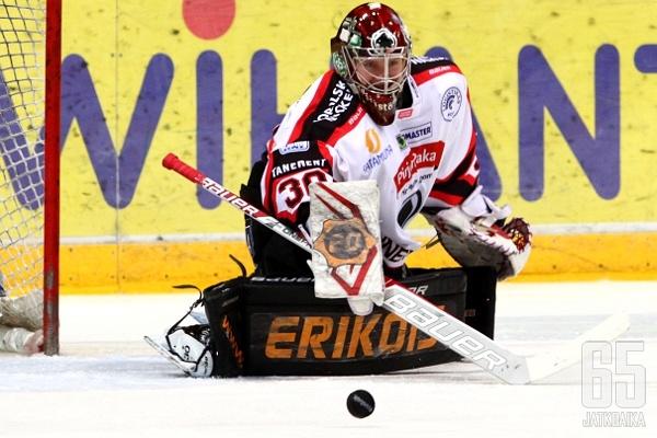 Juha Järvenpää on pelannut koko tähän astisen uransa Ässissä.