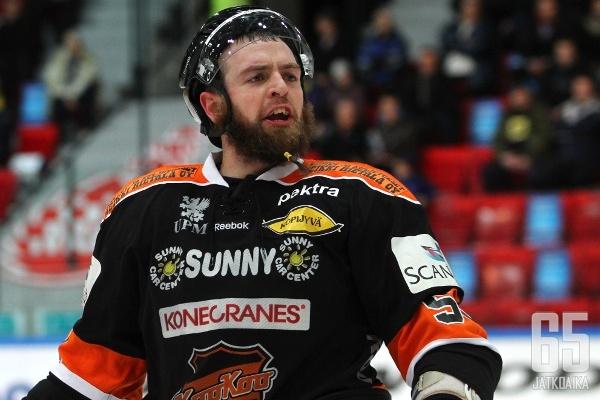 Nickerson pelasi viimeksi Suomessa kaudella 2012-13.