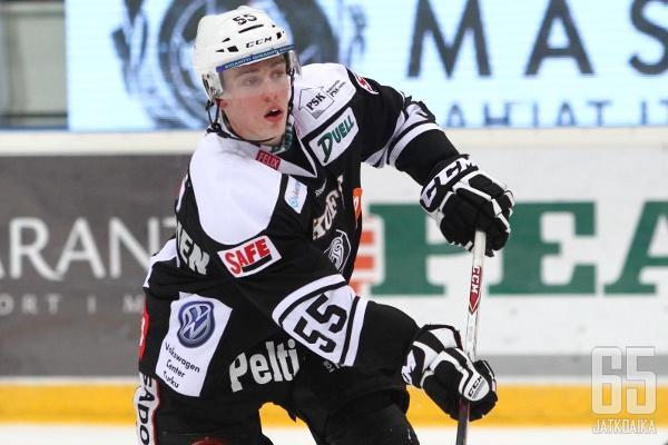 Rasmus Ristolainen debytoi A-maajoukkueessa.