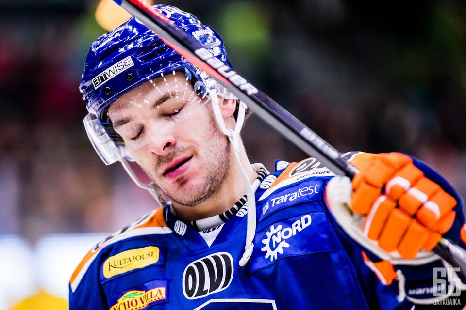 Bertrand on sivussa joukkueensa viidestä seuraavasta ottelusta.