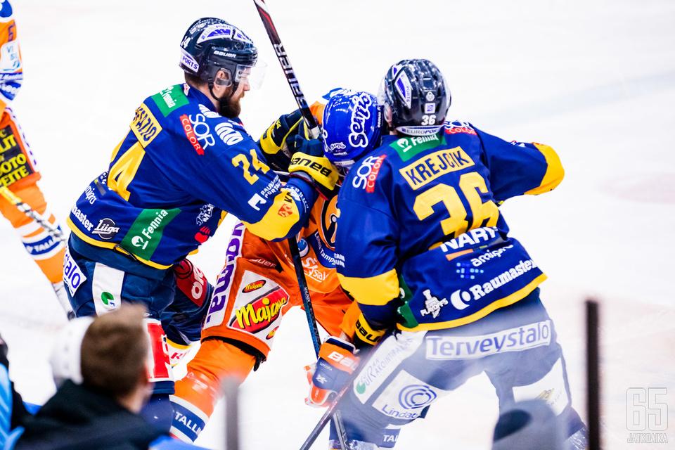 Tampereen ottelussa riitti vauhtia ja tunnetta.