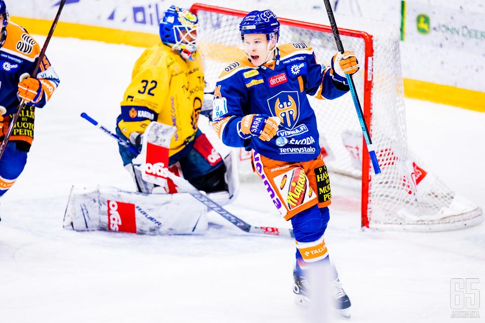 Jan-Mikael Järvinen viimeisteli voittomaaliksi jääneen osuman avauserässä.