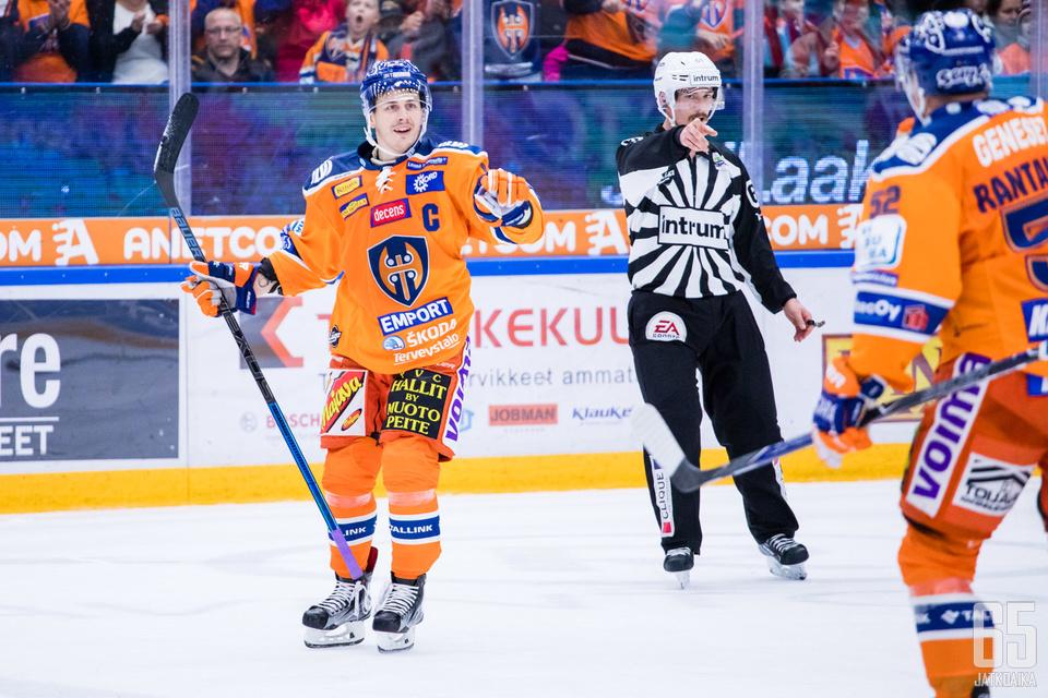 Kristian Kuusela ratkaisi tiukan juhlaottelun Tapparalle.