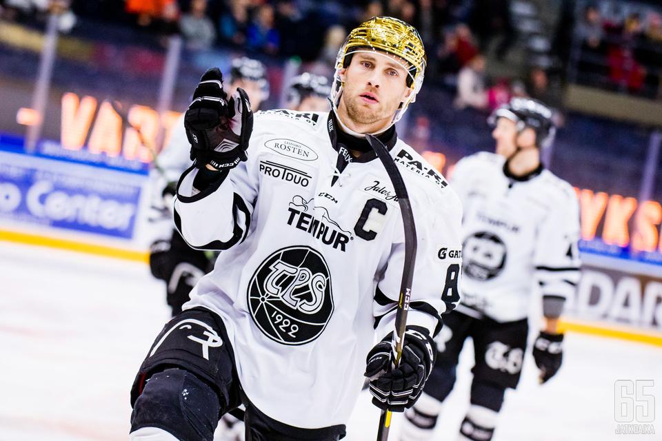 Ilari Filppula heilutti tahtipuikkoa, kun TPS jyräsi Tapparan Tampereella.