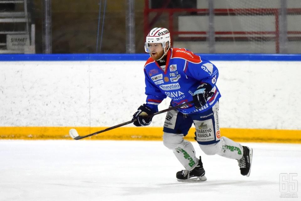 Miro-Pekka Saarelainen tekee paluun lohipaitaan.