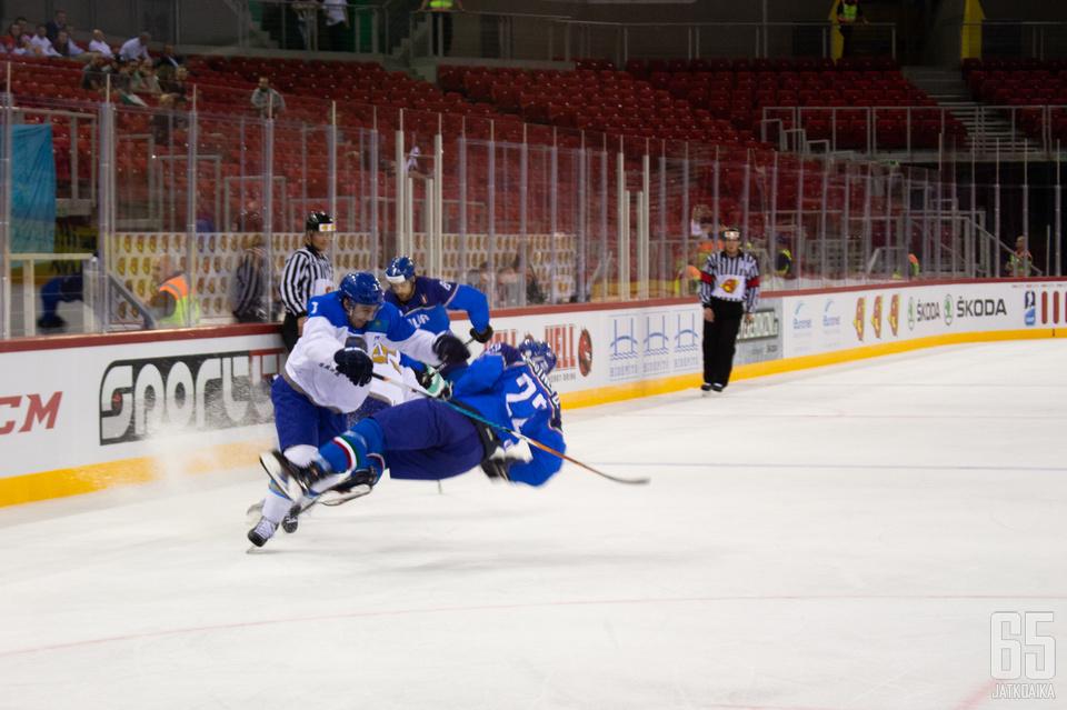 Keskiviikkona oli turnauksen alussa jyränneen Kazakstanin vuoro kaatua.