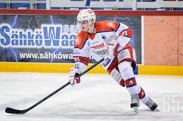 Timo Hiltusen ura jatkuu Jukureiden riveissä.