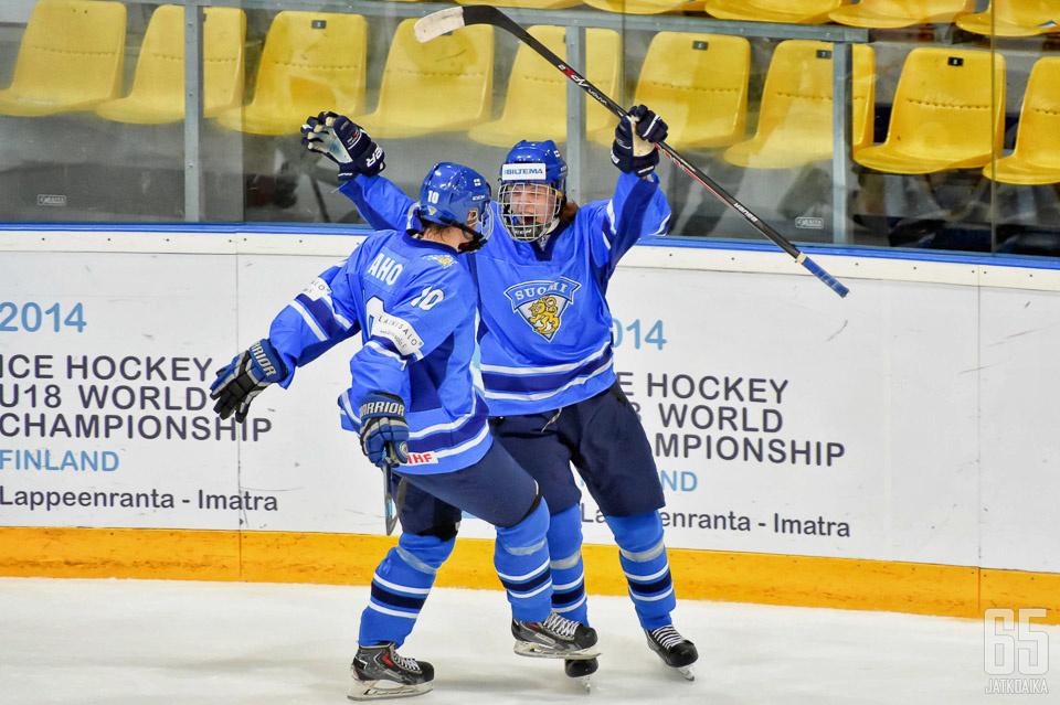 Sebastian Aho tuuletteli Suomen paidassa myös alle 18-vuotiaiden MM-kisoissa tällä kaudella.