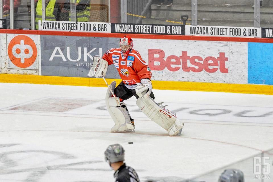 Aurén pelasi toistaiseksi ainoassa liigaottelussaan reilun minuutin.