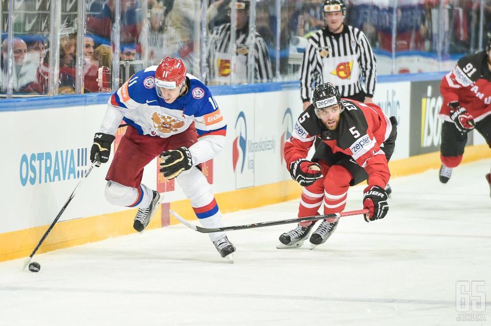 Ekbladilla piti kiirettä Jevgeni Malkinin kanssa.