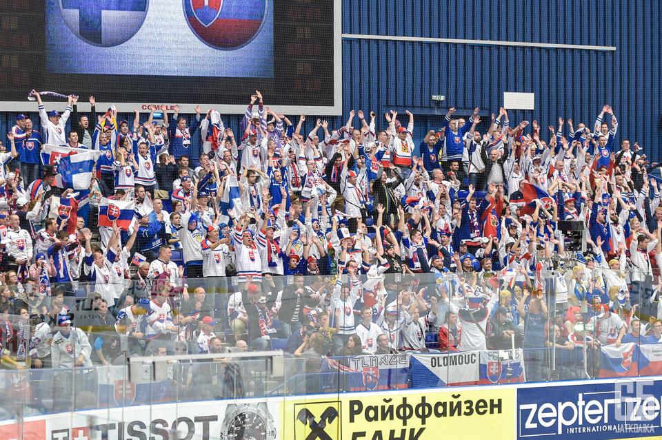 Slovakkikannattajat uhkaavat boikotoida Slovakian pääsarjaa ja maan kiekkoliittoa.