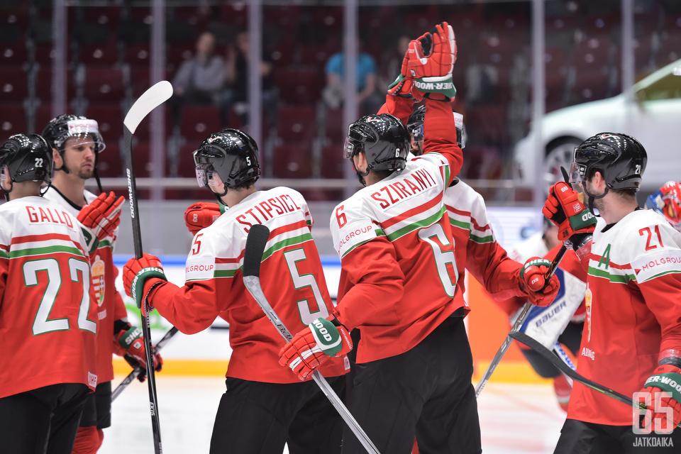 Unkari juhli Pietarin MM-kisoissa 2016.