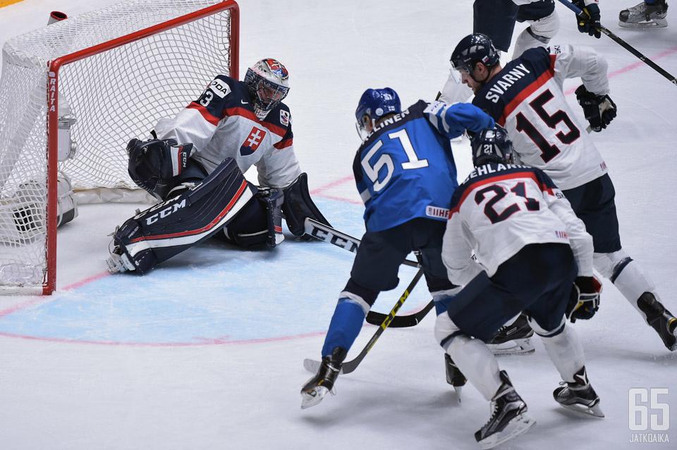 Slovakia kohtaa Suomen aikaisintaan pudotuspeleissä, jos se niihin ylipäänsä selviytyy.