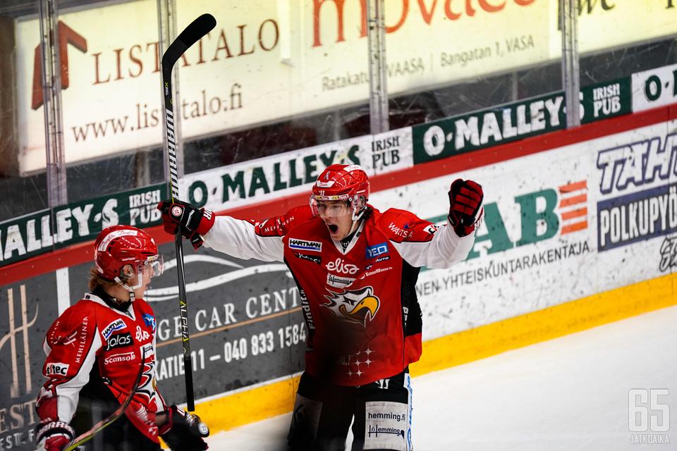 Joel Kiviranta toimi kolmella tehopisteellään Sportin kapellimestarina.