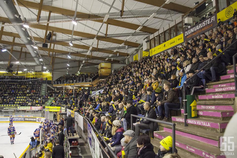 Kuopion Niiralan Montun yleisökeskiarvo kasvoi tuhannella, kun runkosarjasta siirryttiin pudotuspeleihin.
