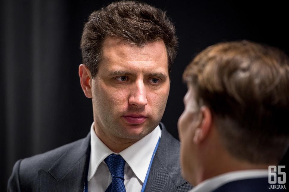 Roman Rotenberg on aktiivinen jääkiekkotoimija.