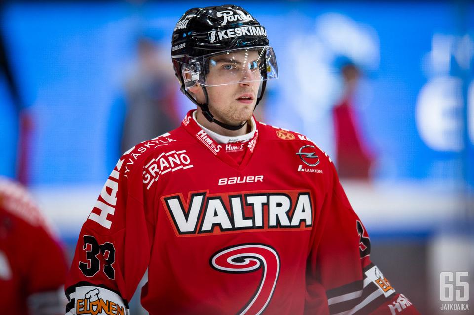 JYPin tähtihyökkääjä Julius Nättinen pelaa sensaatiomaista kautta kasvattajaseurassaan.