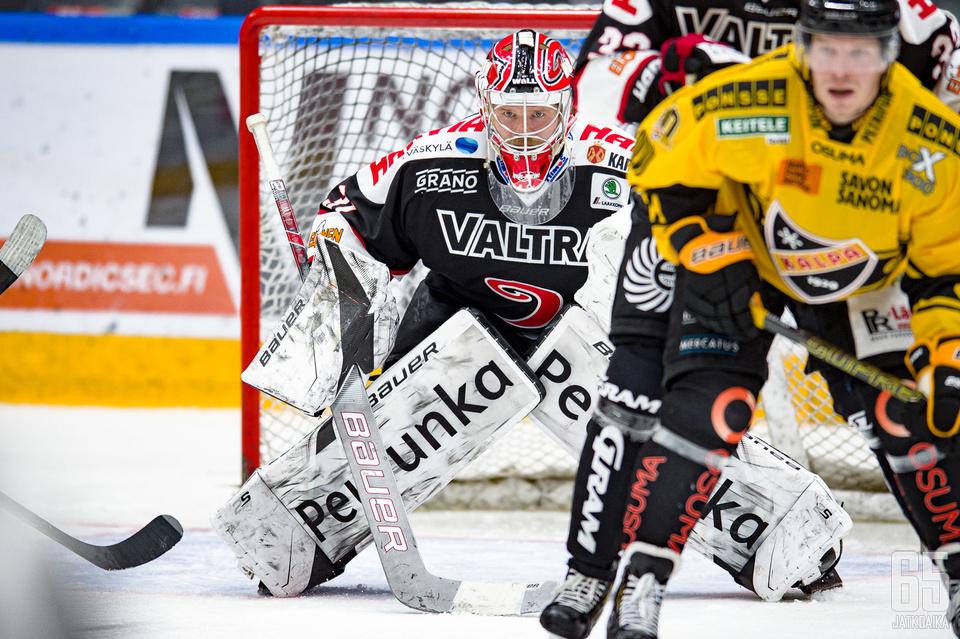 Riku Helenius aloitti tämän kauden JYPissä, jossa hän pelasi yhden liigaottelun.