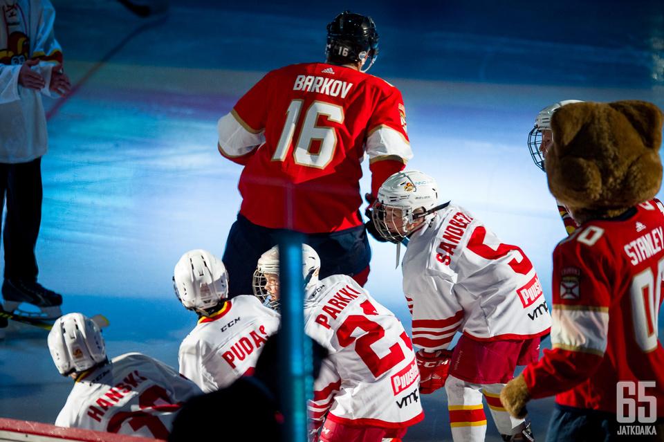 Suomalaisjääkiekkoilijat jättävät MM-kisat väliin Barkovin johdolla.