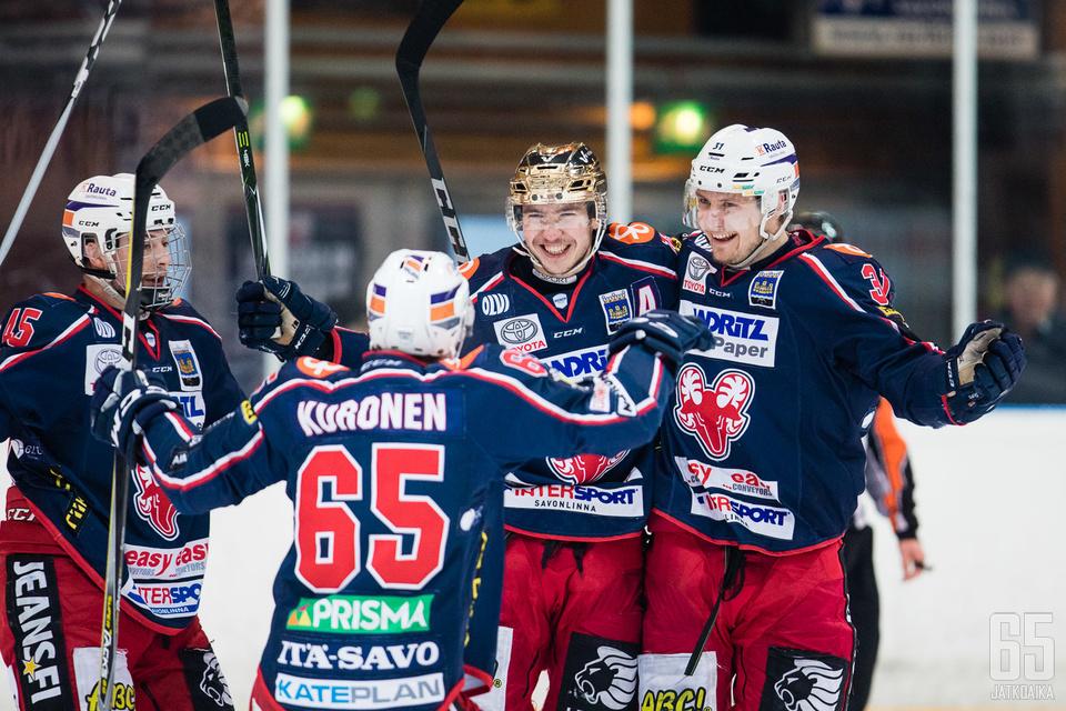 Mikko Lahtela (kesk.) on ollut lähes pysäyttämätön.