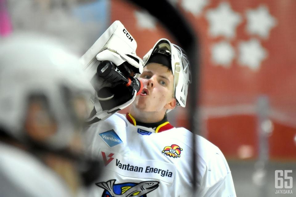 Ignatjew oli illan isäntä.
