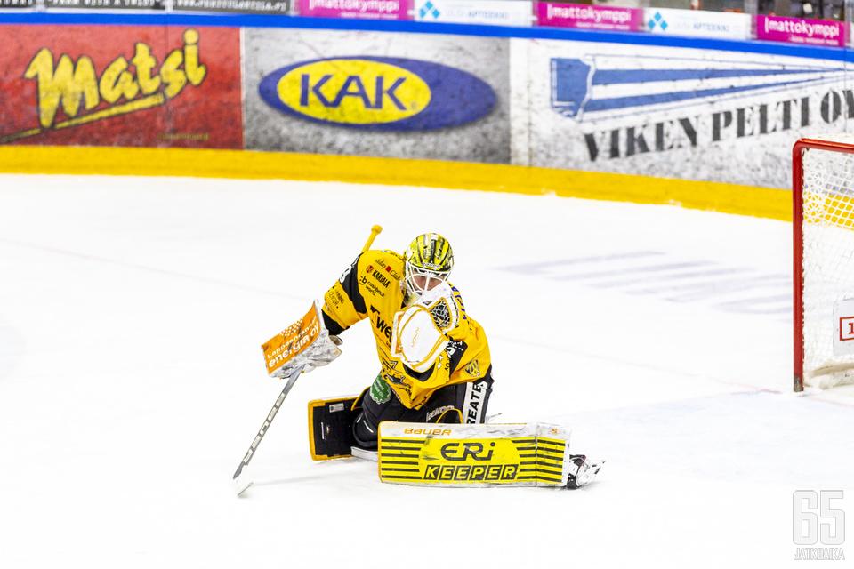 Westerholm pelasi SaiPassa Frans Tuohimaan aisaparina.