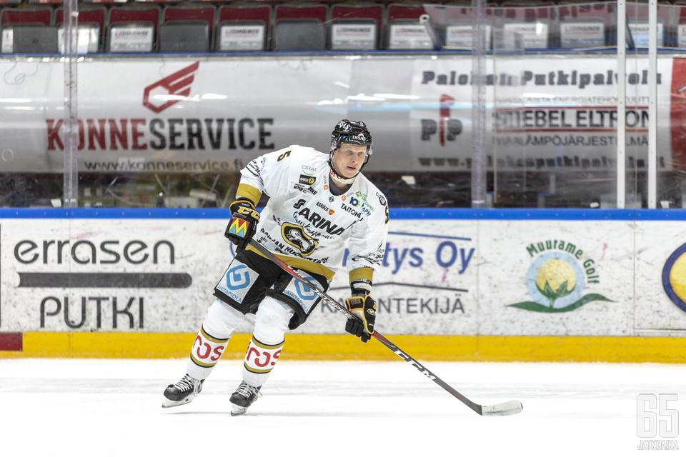 Legenda Kukkonen aloitti Kärppien miesten joukkueessa jo kaudella 1999–2000. Ura jatkuu Kärpissä ainakin kevääseen 2020 asti.