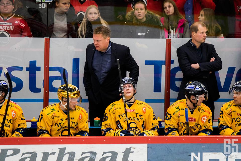 Lukko-luotsi Pekka Virta on löytänyt vieraspeleihin viisasten kiven.
