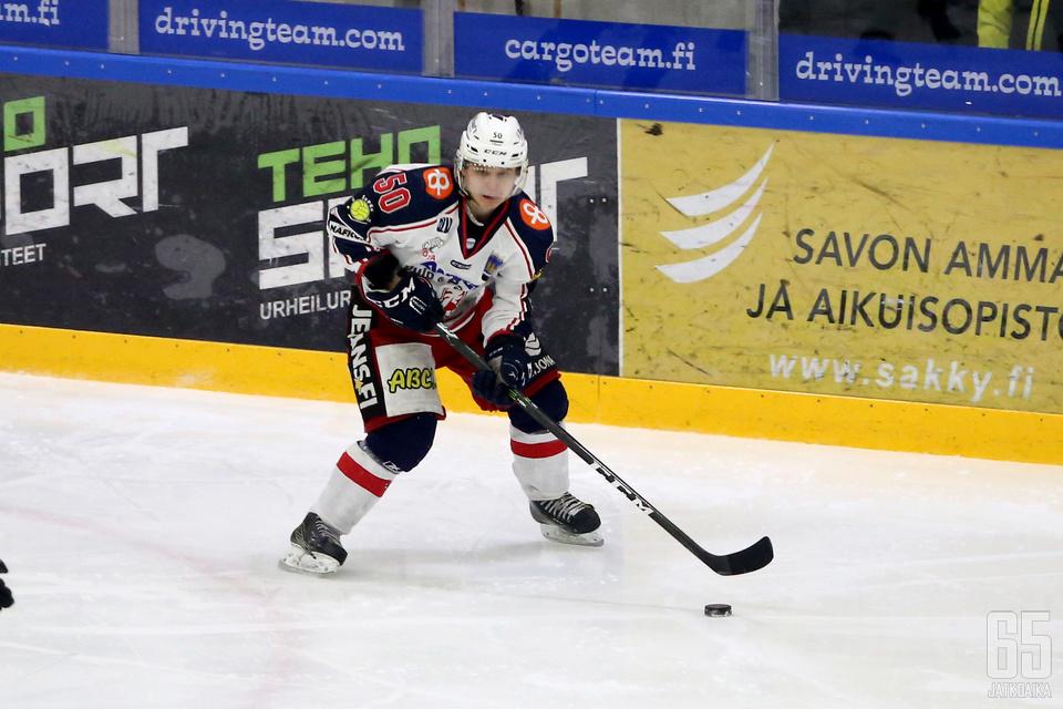 Niklas Salo oli maanantain SaPKo-sankari. Miehen jatkoerämaali siivitti pässipaidat välieriin.