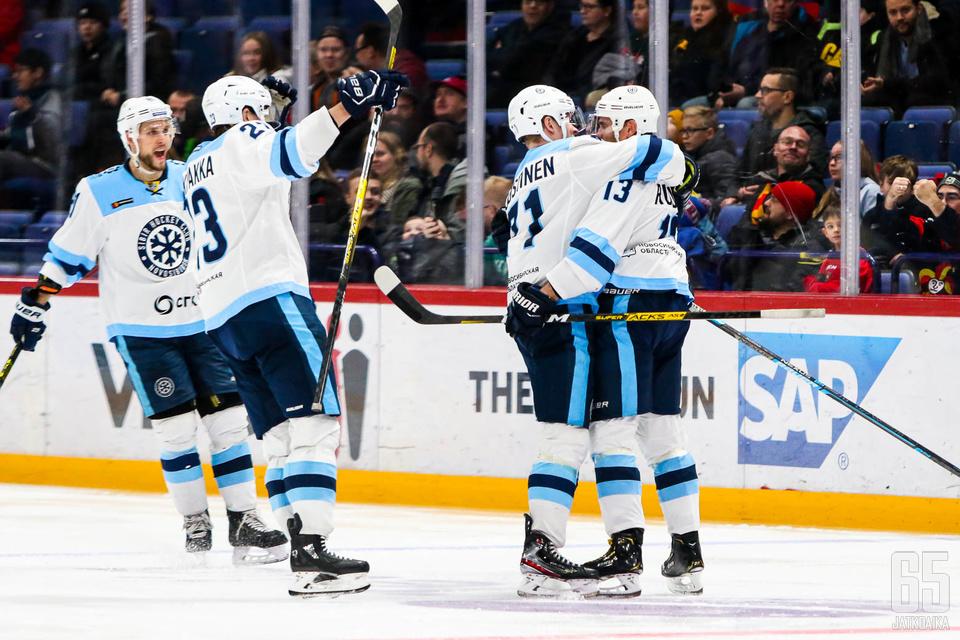 Sibirin suomalaiset ovat isossa roolissa joukkueen hakiessa menestystä pudotuspeleissä.