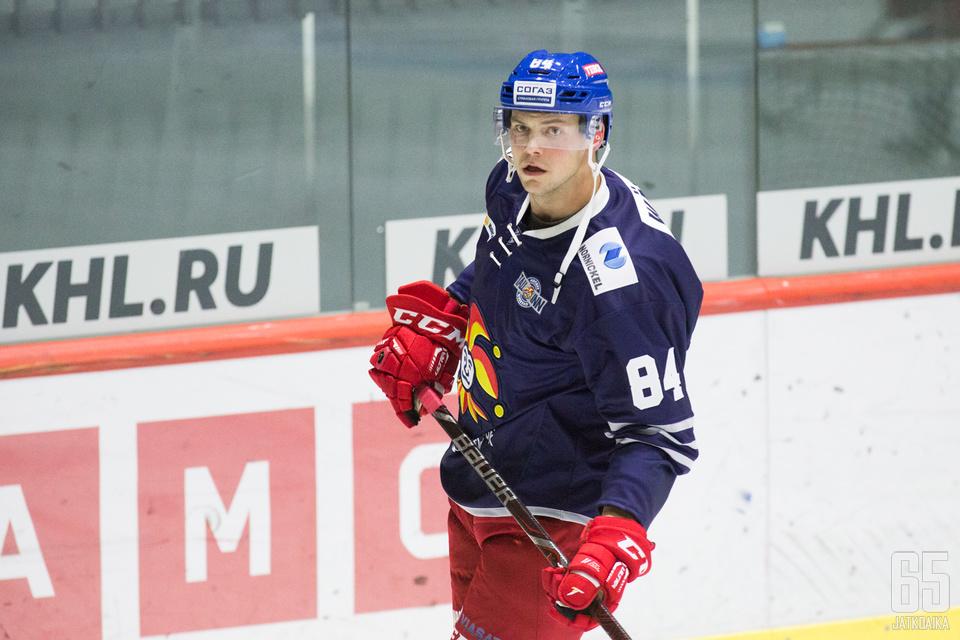 Max Wärnillä ehti olla ennen jokeridebyyttiä melkein kahdeksan kuukautta taukoa otteluista.