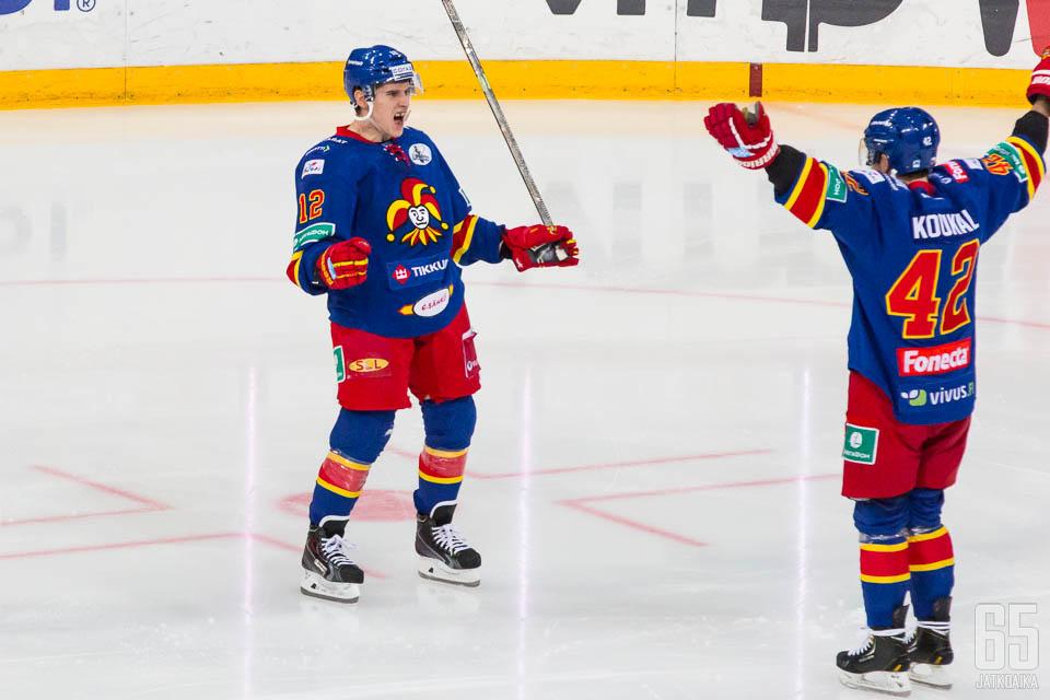 Jokerit ja LOKOMO-ketju juhlivat Minskissä.