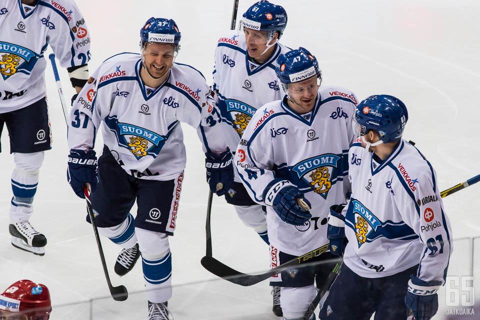 Suomen kisat alkavat ottelulla Yhdysvaltoja vastaan.