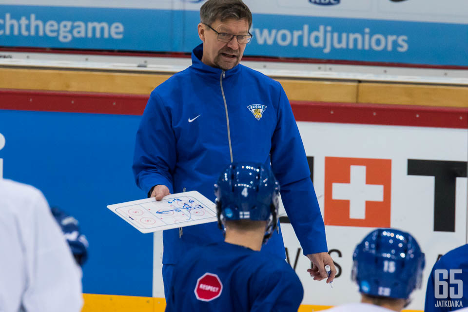 Valmentaminen on Jukka Jalosen intohimo.